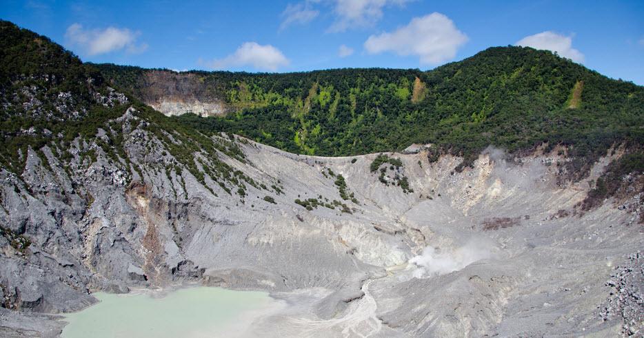 Tempat Wisata di Jawa Barat yang Harus Anda Kunjungi