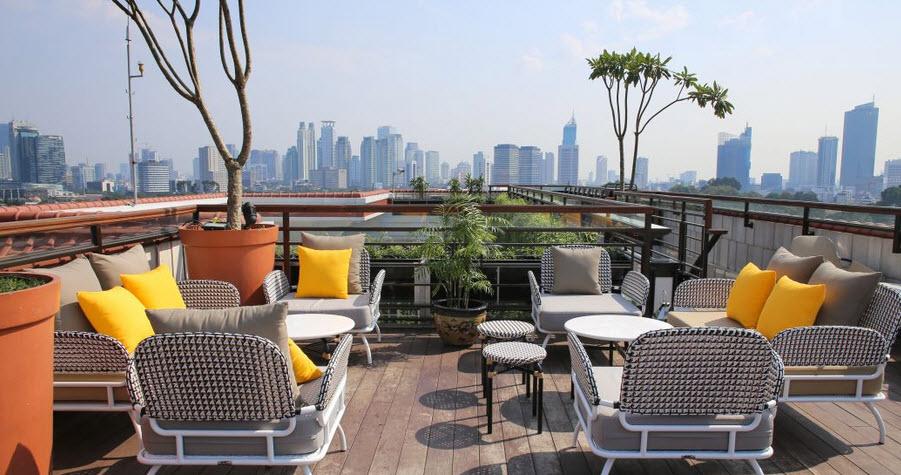 la vue jakarta rooftop