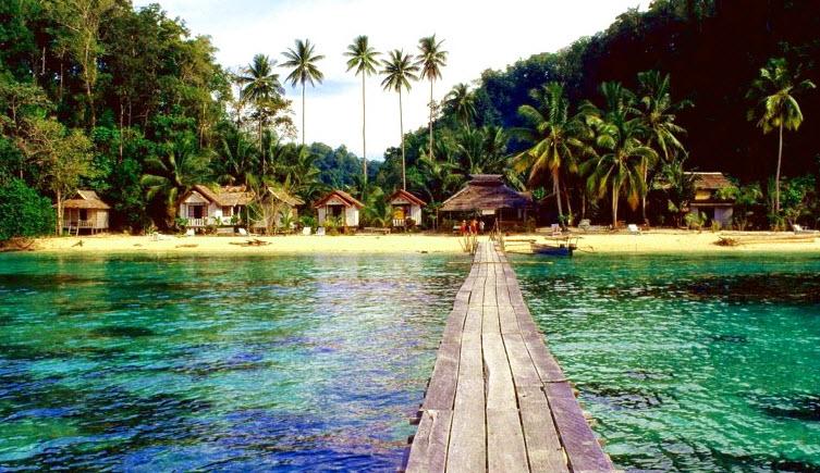 tomini bay gorontalo