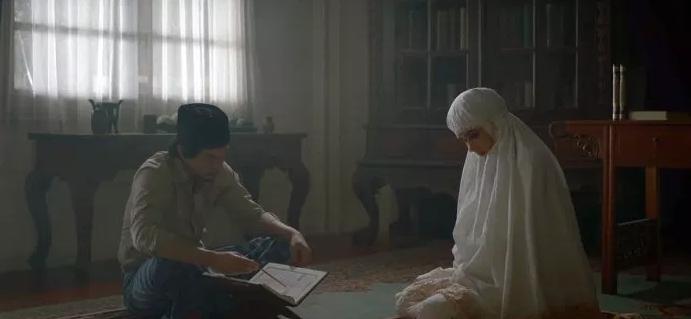 Suzzanna Bernapas Dalam Kubur - Menghidupkan Kembali Sang Legenda Horor!